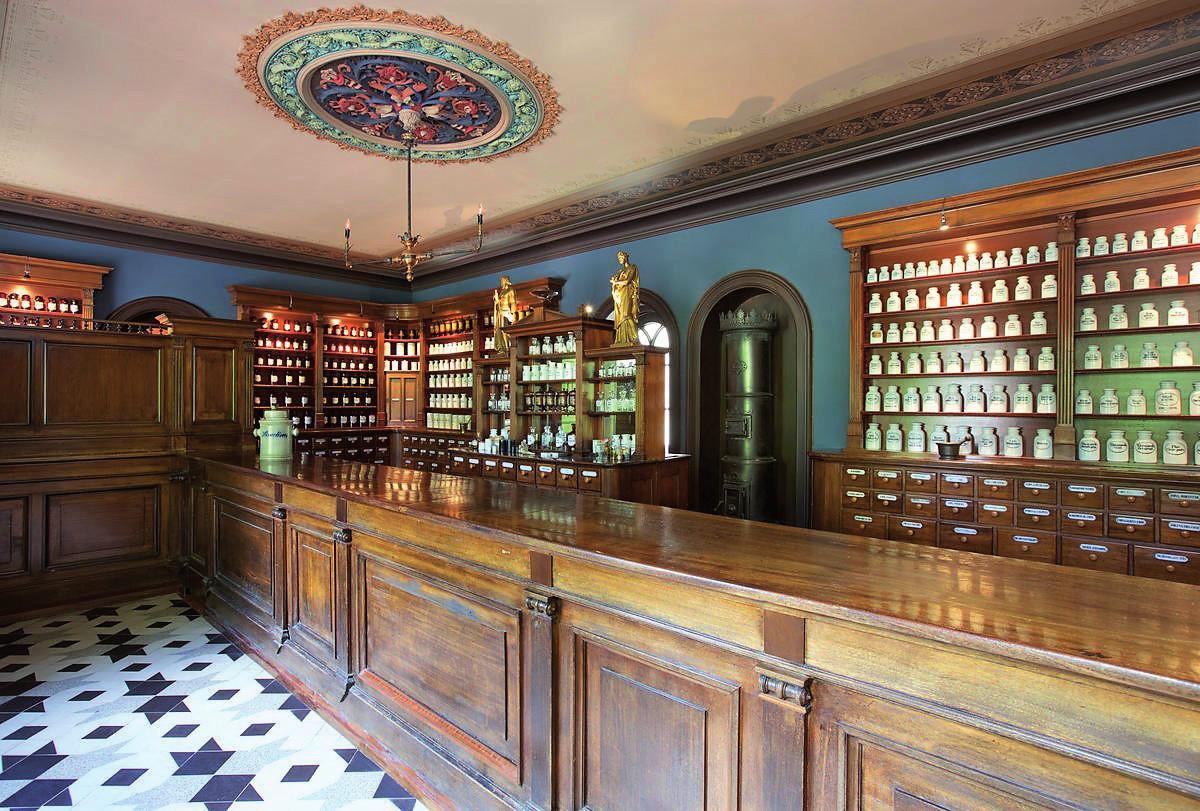 Historická lékárna v Oslu.