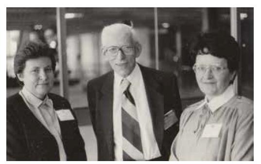 Zleva: doc. Jitka Čejková, prof. Otto Wichterle a prof. Blanka Brůnová
