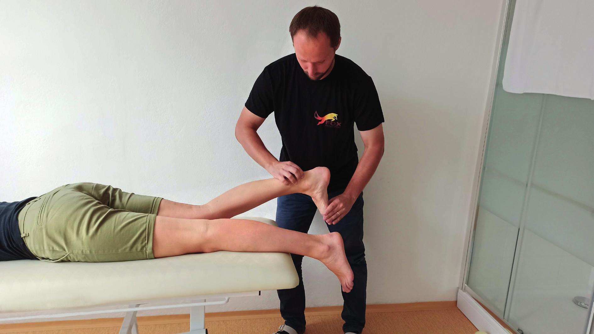 Royal London test pre tendinopatiu Achillovej šľachy. Pacient leží v pozícii na bruchu na vyšetrovacom stole. Chodidlá sú mimo vyšetrovacieho stola. V tejto pozícii vyšetrujúci palpuje Achillovú šľachu. Pozitívnym príznakom je bolestivosť Achillovej šľachy. V druhej fáze testovania pacient urobí maximálnu dorzálnu flexiu v členku a vyšetrujúci následne opakuje palpačné testovanie. Pri tendinopatii Achillovej šľachy bolesť v maximálnej dorzálnej flexii vymizne. Bolesť sa znova objaví po urobení plantárnej flexie.