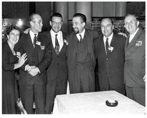 Spolupracovníci MUDr. Roberta Bardfela (v letech 1957až 1966), zleva: MUDr. J. Maleček, MUDr. R. Bardfeld, MUDr. S. Havelka, MUDr. K. Pavelka st., MUDr. O. Vojtíšek