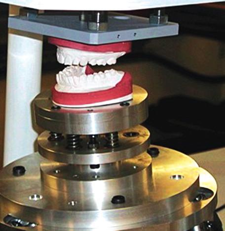 Simulátor čelistí (artikulačního pohybu) [http://www.bristol. ac.uk/dental/news/2011/54.html]