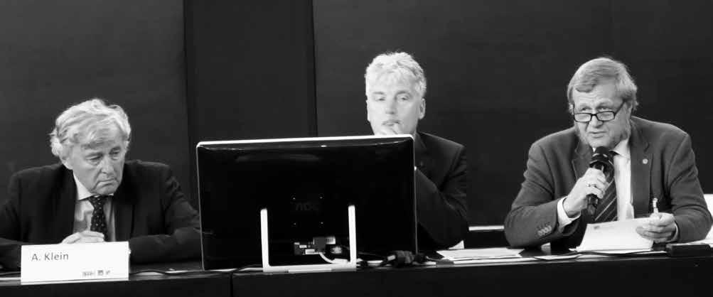 Prezídium Osteuropaverein Rechtsmedizin: sprava Dr. med. Kurt Trübner (Essen), prof. Peter Wiegand (Ulm), prof. Stefan Pollak (Freiburg)