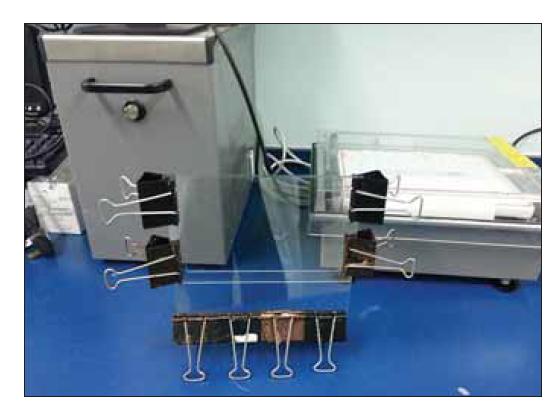 Elektroforetická zostava pre manuálnu metódu (vlastné údaje).