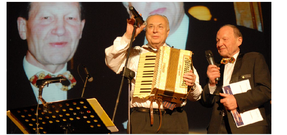 Profesor Eduard Zvěřina (vpravo) s profesorem Jaroslavem Blahošem. Foto: archiv prof. E. Zvěřiny