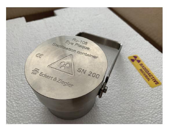 Skladovací a sterilizační kontejner pro rutheniový aplikátor