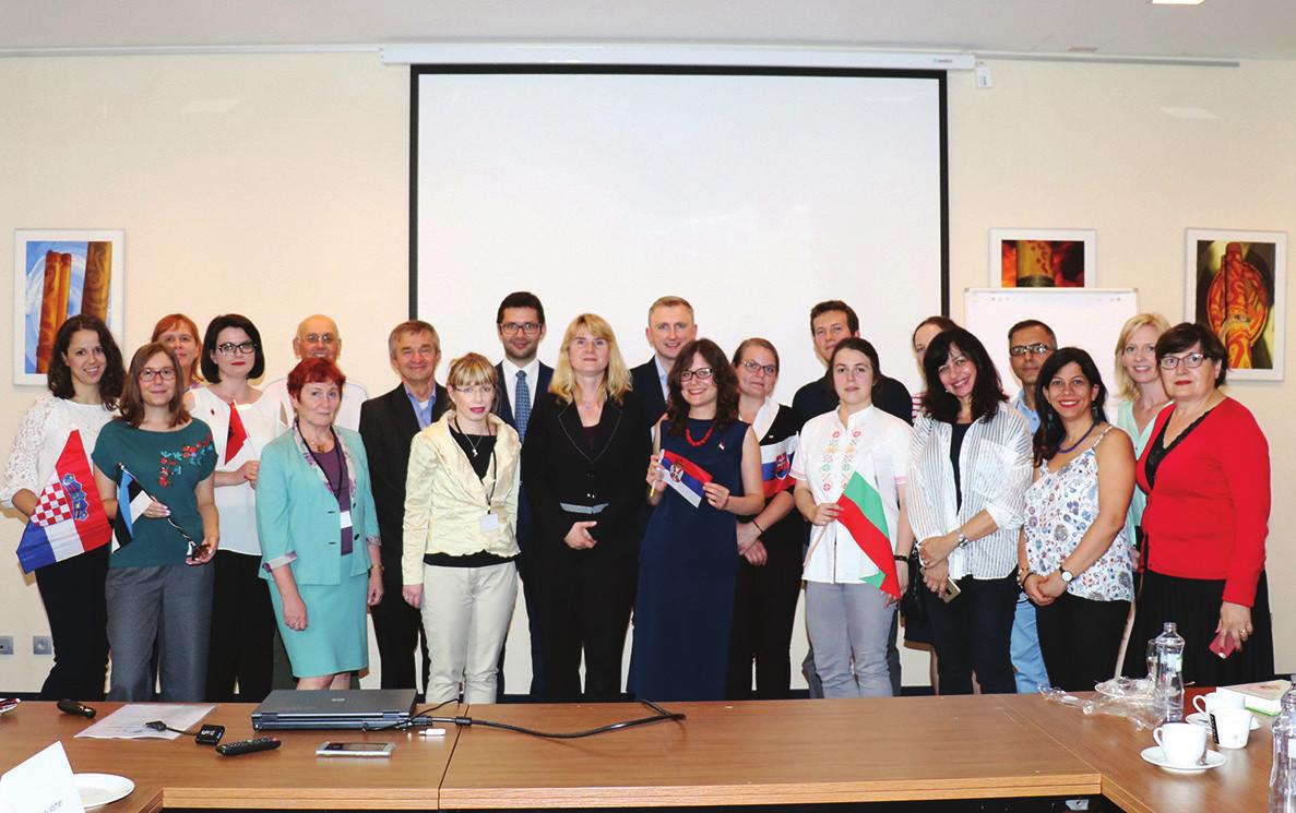 Foto 9. Hromadná fotografie účastníků jednání (hotel Tatra, Bratislava 28. a 29. června 2018)